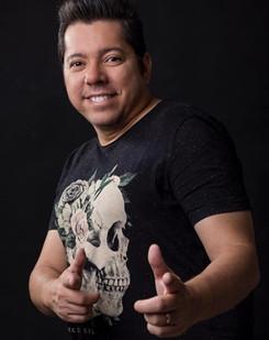 Forró de Luto: Cantor e compositor, Louro Santos, morre em Recife, vítima de Covid-19