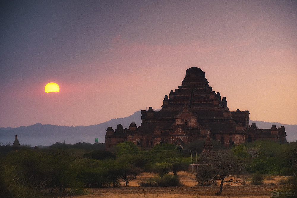 Dhammayangyi temple in Bagan at sunset