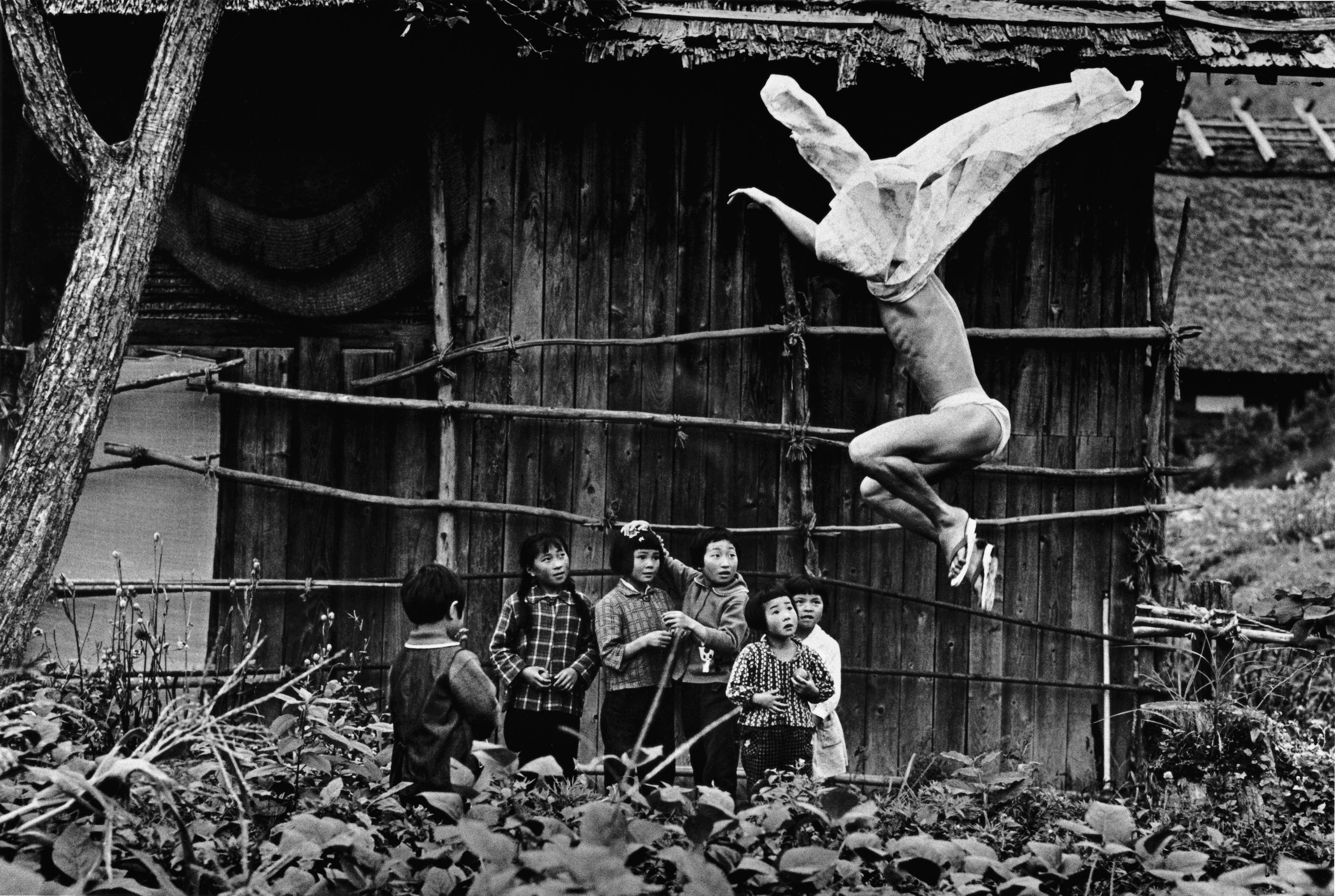 Eikoh-Hosoe-Kamaitachi-17-1965-Copyright