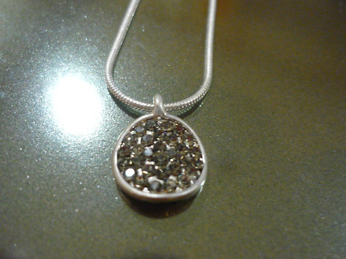 Silver crystal round necklace