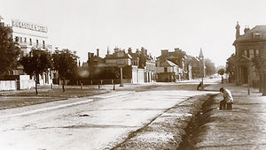 High Road, Woodford c.1900.jpg