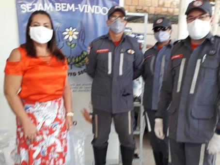 Diante dessa pandemia, a APAE Porto Seguro recebe doação de cestas básicas pelo Corpo de Bombeiros.