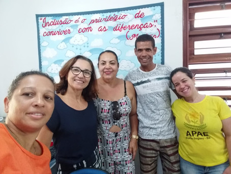 A APAE Porto Seguro recebeu a visita do Cosme, ex-aluno da APAE de Guarapari