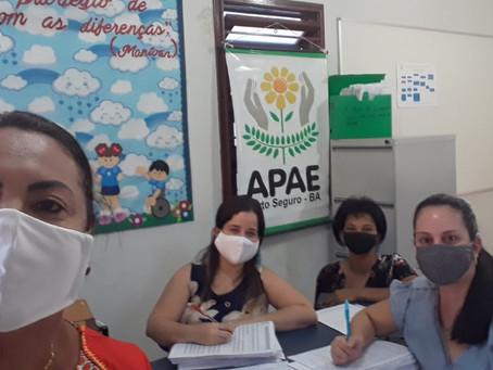 Apae Porto Seguro trabalhando em prol dos excluídos, realizando o Censo Escolar.