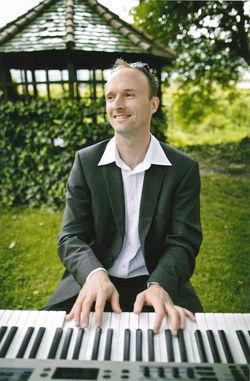 joerg-piano1_klein.jpg