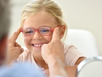 Зачем очки при косоглазии? Как они работают?