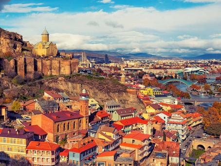 TESUP Tuulivoimalat, jotka matkustavat Georgiaan, Tbilisiin, joka on kuuluisa vieraanvaraisuudestaan