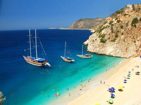 Denken Sie immer noch nach? TESUP Flexible Solarmodule werden nach Marina Kas, Antalya, versandt!