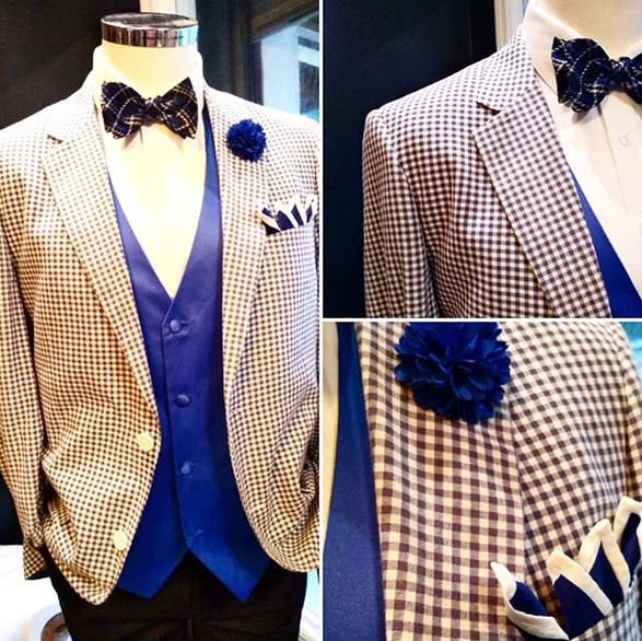 I love this navy gingham Blazer paired w