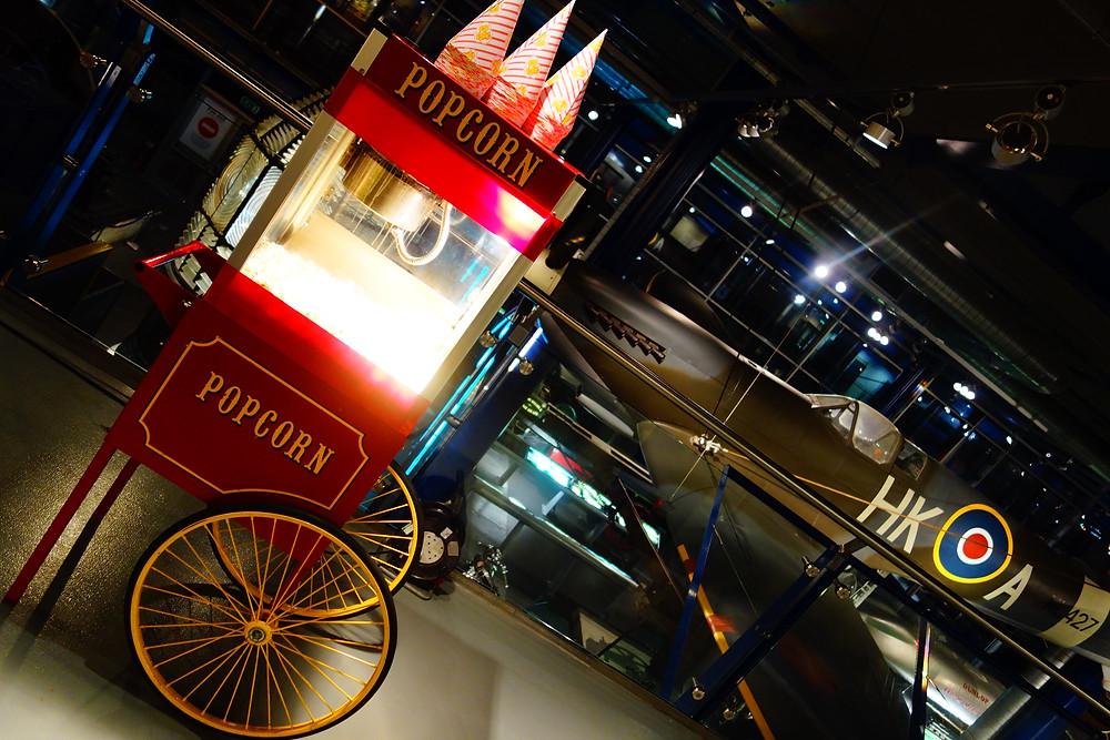 Popcorn Cart Hire | Red Classic Popcorn