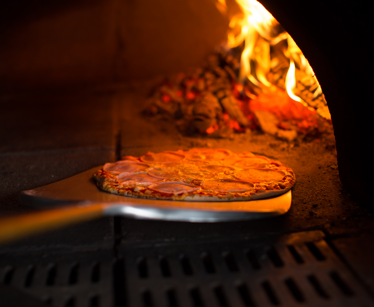 Street Food - Wood Fired Pizza Oven