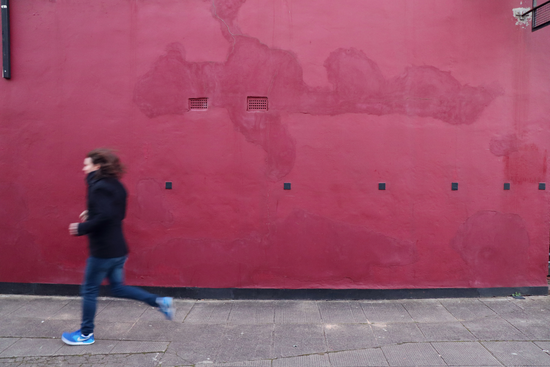 Duncan Lyall running by Lori Watson.jpg
