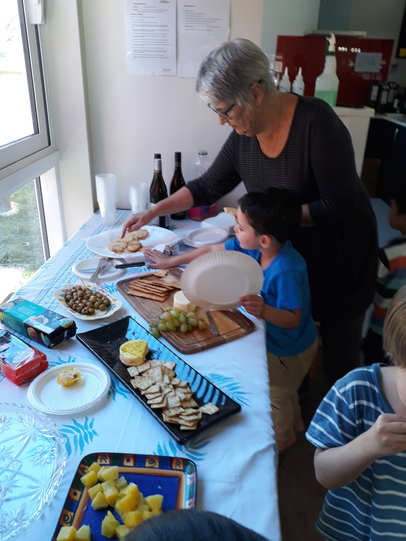 Aranui_Montessori_Shared_Lunch.jpg