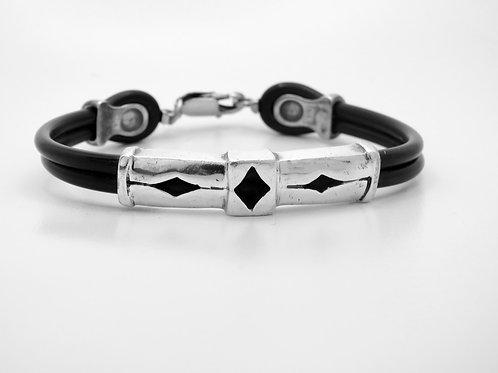 צמיד חוליות מכסף סטרלינג 925 על רצועות גומי שחור עבודת יד אומנותית ואיכותית aaronjewelryart.com