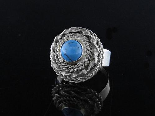הטבעת וינטג' מכסף סטרלינג 925 מפיליגרין ואבן כחולה בעבודת יד ישראל שנות ה'50  aaronjewelryart.com