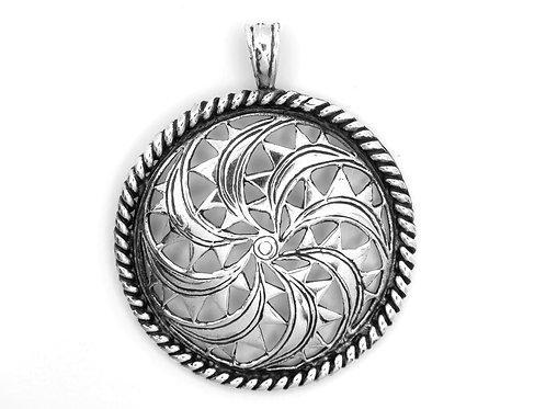תליון וינטג' מכסף סטרלינג 925 בעבודת יד עיצוב בסגנון גאומטרי צמחי ארכאולוגי