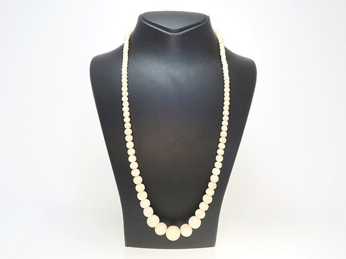 Natural coral beads necklace white color with touches of unpainted pink 64.4g aaronjewelryart.com