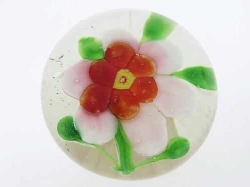 משקולת נייר מזכוכית וינטג' עם פרח בעבודת יד