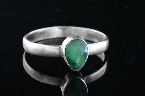 60' טבעת וינטג' מכסף סטרלינג 925 בשיבוץ טיפת אמרלדבעיצוב מודרני עבודת aaronjewelryart.com