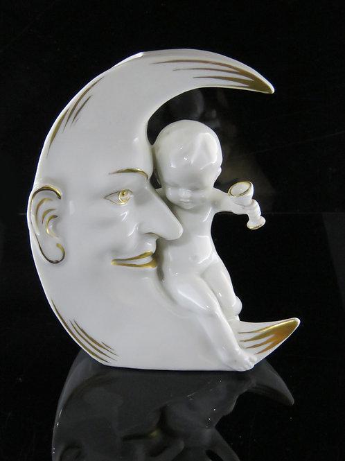 הילד על הירח כלי לפרחים ואזה מפורצלן לבן עם צביעת יד בזהב תוצרת גרמניה כנראה aaronjewelryart.com