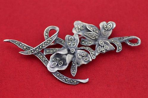 סיכה מעוצבת בצורת פרחים משובצת במרקיזטות מכסף סטרלינג 925 וינטג' שנות ה'60