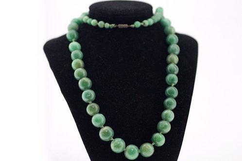 Vintage Stunning Green stone Jade Beads necklace 30'