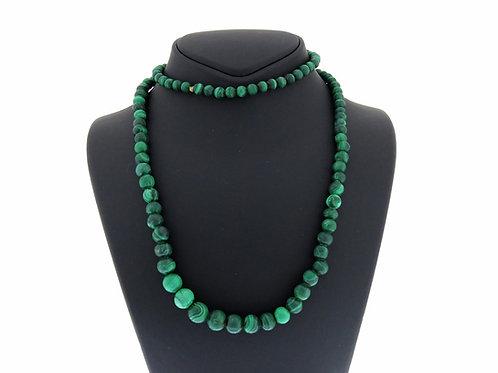 שרשרת וינטג' עם חרוזים עגולים מאבן מלכיט מלוטשת ירוקה משנות ה '30