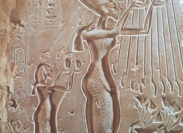 מצרים הקדומה - אמטיסטים בקמעות הגנה - אבן האמטיסט או בשמה העברי אחלמה