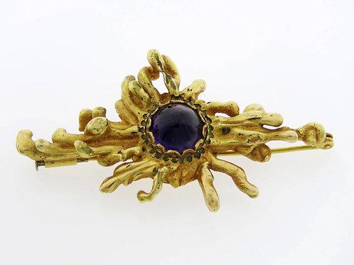 סיכת וינטג' עשויה מפליז מצופה זהב ומשובצת באמטיסט בעיצוב מודרני   aaronjewelryart.com