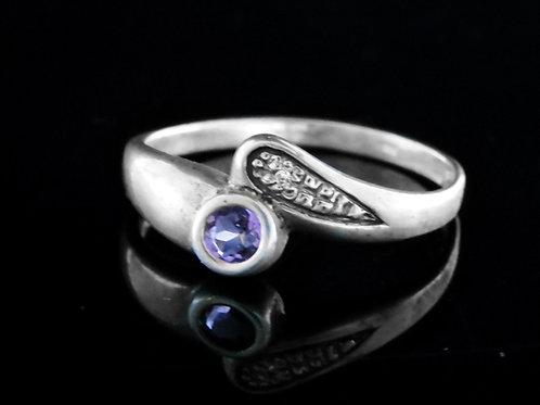וינטג' טבעת מכסף סטרלינג 925 בעיצוב מודרני בשיבוץ זירקון עבודת יד ישראל '80  aaronjewelryart.com