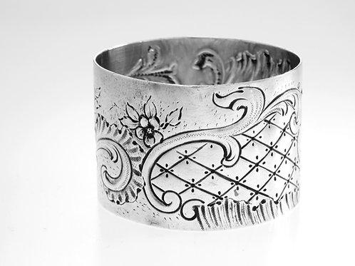מפיון עתיק כסף סטרלינג 950 חריטה ועבודת יד עיטור קלאסי צרפת המאה ה '19, 37 גרם aaronjewelryart.com