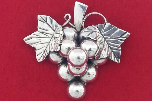 וינטג' תליון סיכה מעוצב כאשכול ענבים מכסף סטרלינג 925 מקסיקו '50