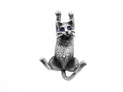 תליון חתול וינטאג' מכסף סטרלינג 925  עיניים משובצות בספיר כחול בעבודת יד ישראל