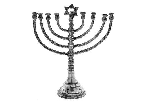 נדיר מנורה חנוכיה מיניאטורית וינטג' מכסף 835 עבודת יד גרמניה שנות ה'30 aaronjewelryart.com