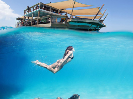 Party on a Floating Bar