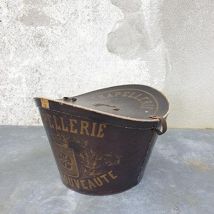 WS00017, Hoedendoos Chapellerie Haute Nouveaute, 19e eeuws