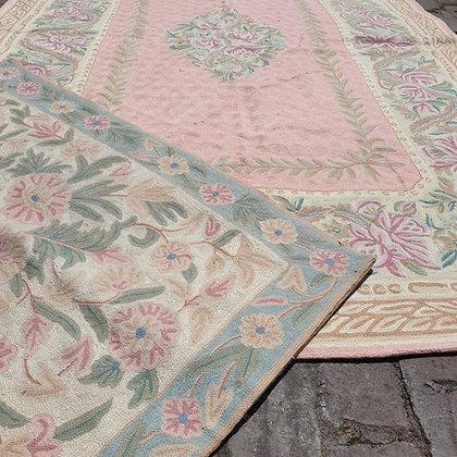 """WS00136, Set van Ralph Lauren handgeweven """"Chain Stitch"""" tapijten"""