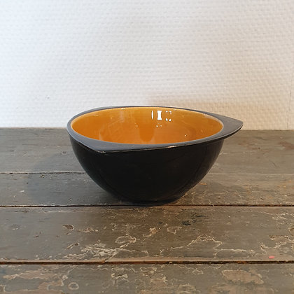 WS00164, Geel met zwart schaaltje