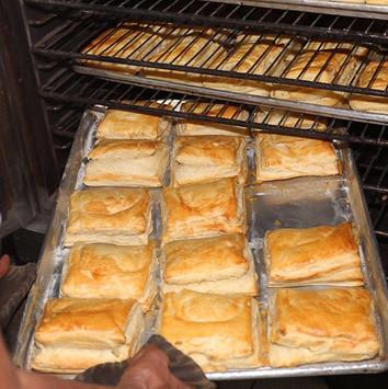 Empandas de queso Zunino