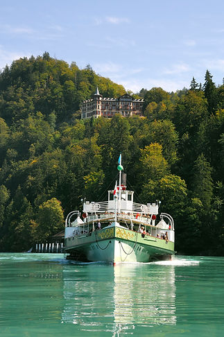 Giessbach vom und mit Schiff.jpg