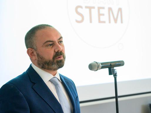 Il-Ministru għall-Edukazzjoni u x-Xogħol jinawgura kampanja li ssaħħaħ l-edukazzjoni tax-Xjenzi
