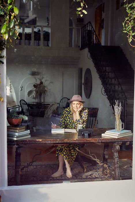 Kvinne forfatter.jpg