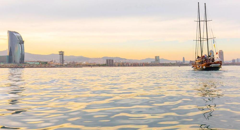 Barcelona Sailing & Vineyard Tour Alella
