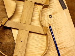 in den Startlöchern für 2018: ein Stradivari  und ein Guarneri Modell