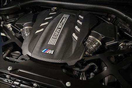 BMW-V8-1.jpg