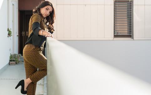 Luisette paris est une entreprise familiale née du désir de mélanger les différentes cultures que l'on rencontre a Paris. Des influences africaines, indiennes, sud américaines, italiennes, composent l'univers particulier de la marque. Les modèles sont réalisés par la créatrice dans son atelier parisien, en pièces uniques ou petites séries, avec des tissus de haute qualité, composés uniquement de matières naturelles.