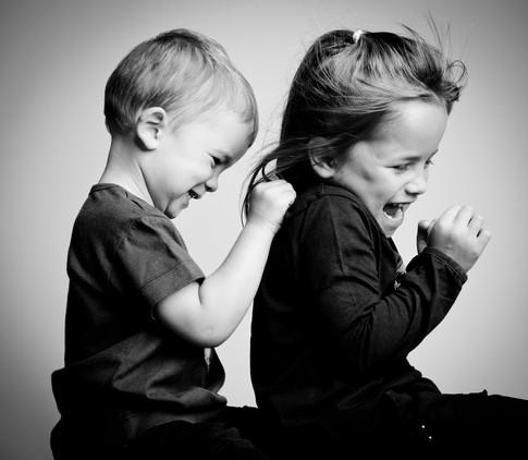 J'adore embêter ma grande soeur !