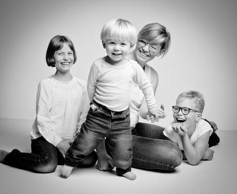 Florie entourée par ses enfants