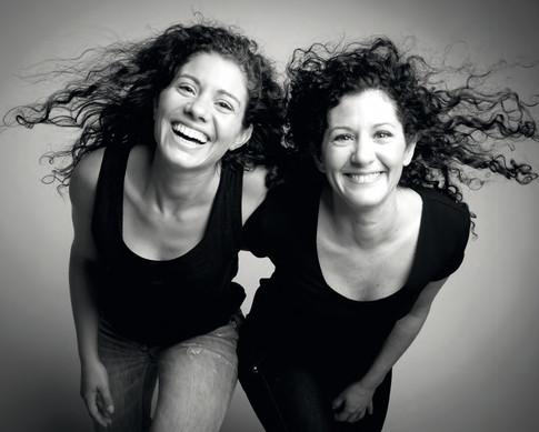 Deux soeurs complices