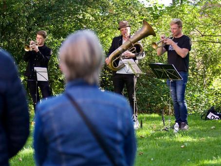 Koncert-gåture i det fri under forsamlingsforbuddet